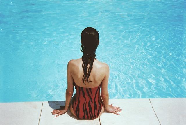 jednodílné plavky.jpg