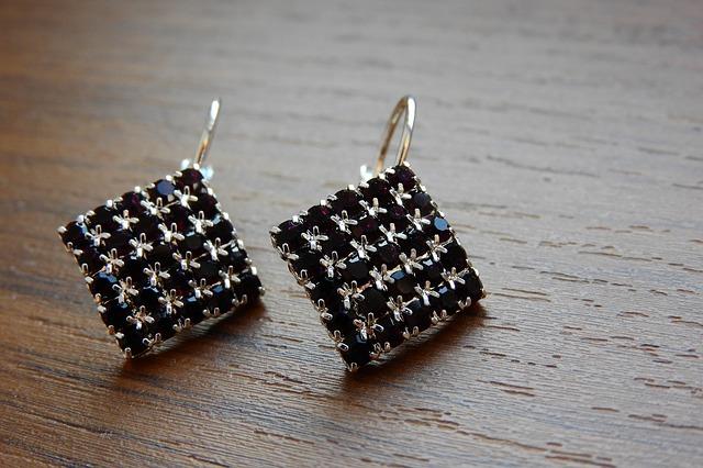 Náušnice, šperky.jpg