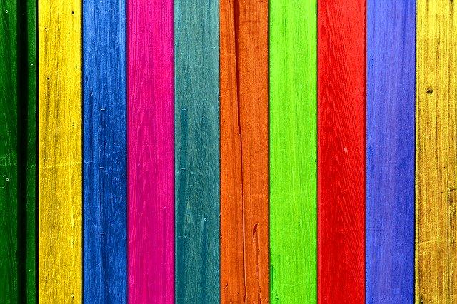 malované dřevo